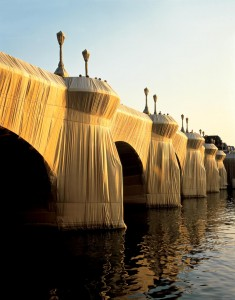 4 Le Pont Neuf Wrapped, Christo,1975
